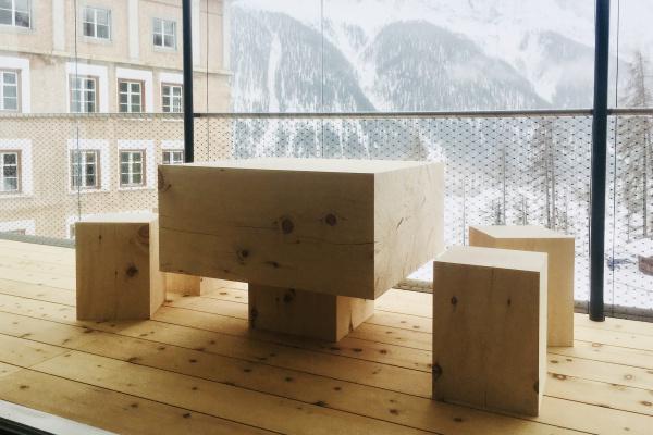 Stalla Madulain -  Tischskulptur aus Arve - Not Vital für Karla Otto